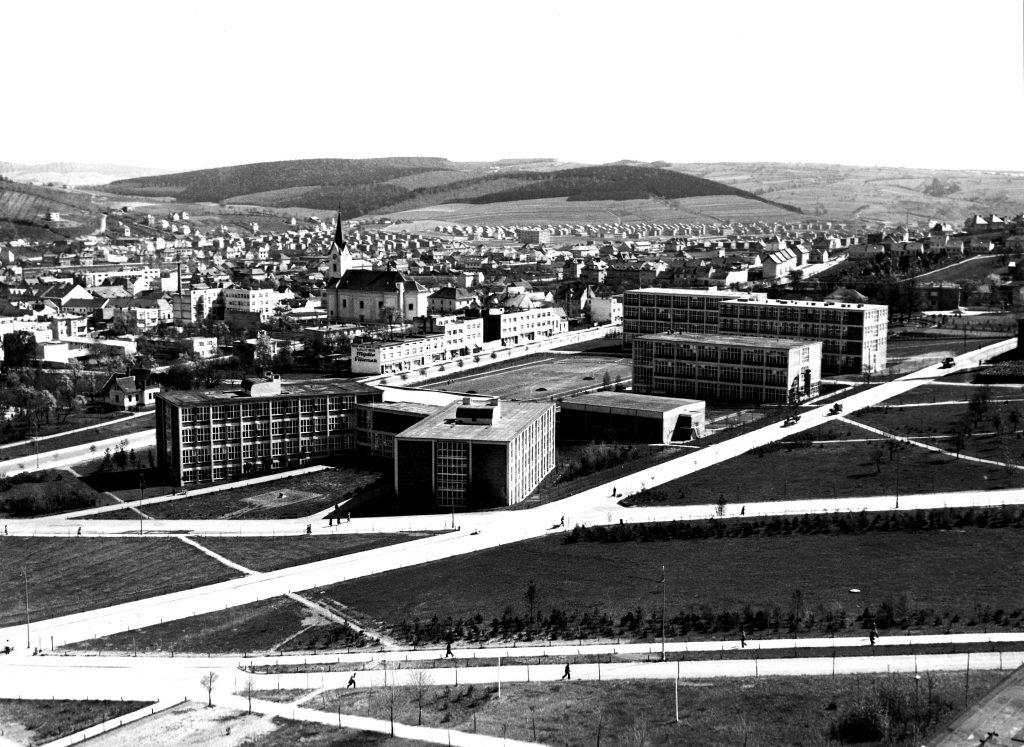 Školní čtvrť, 1935