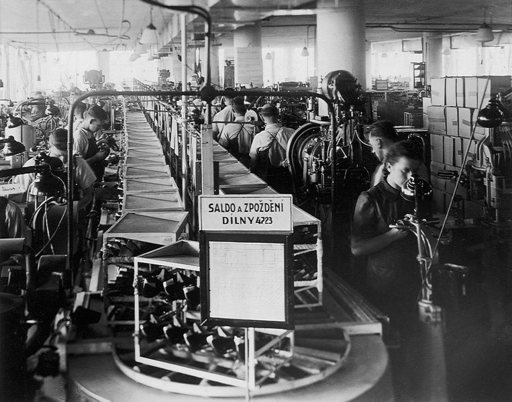 Technologická racionalizace: běžící pásy určené k výrobě obuvi