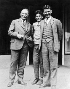 Tomáš Baťa se synem a bankéřem Jaroslavem Preissem