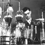 Chemik ve výzkumném ústavu v Otrokovicích, 1938