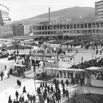 Prostranství před branou Baťových závodů, 1934
