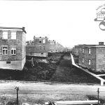 Pohled do jedné z ulic dvojdomků ve čtvrti Díly, 1940